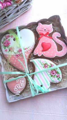 Cookies for Marsha. Valentines Day Deserts, Valentines Baking, Valentines Day Cookies, Birthday Cookies, Love Valentines, Cat Cookies, Fancy Cookies, Cupcake Cookies, Sugar Cookies