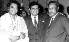 After his brother Ashok Kumar became a Bollywood star, Abhas Kumar then changed his name to Kishore Kumar and started his cinema career as a chorus singer at Bombay Talkies, where his brother worked. Sanjeev Kumar, Ashok Kumar, Online Tv Channels, Kishore Kumar, Legendary Singers, Indian Star, Indian Music, Vintage Bollywood, Rare Pictures