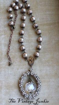 Vintage Inspired Jewelry Victorian Pendant von TheVintageJunkieShop