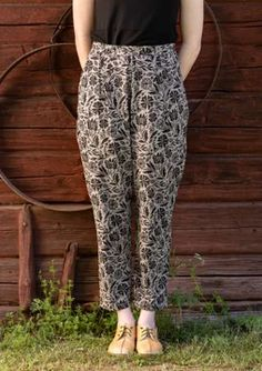 """Comfy jersey pants in a style inspired by riding pants, with a bit of extra width at the top. Block-printed in the two-tone all-over """"Amber"""" pattern. Elastic waist and side pockets. Swedish Women, Gudrun, Riding Pants, Direct Marketing, Jodhpur, Colourful Outfits, Workout Pants, Fashion Prints, Boho Chic"""