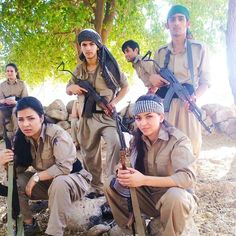 Kurdish woman fighter
