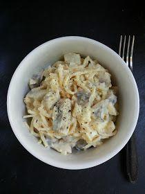 zufikowo: Śledzie z selerem i ananasem Macaroni And Cheese, Impreza, Ethnic Recipes, Food, Christmas, Pineapple, Salad, Xmas, Mac And Cheese