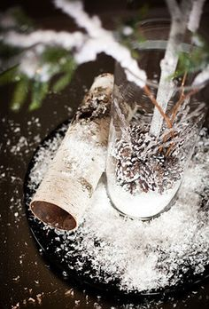 centerpiece ideas for romantic winter wedding LIKE THE SNOW ON THE TABLE