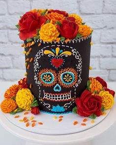 "Leslie Vigil on Instagram: ""New Online Class is now available!🌹💀🏵Join me Saturday October 10th for this Dia De Los Muertos Cake in a Live-Streaming demonstration.…"" October 10, Piece Of Cakes, Amazing Flowers, Amazing Cakes, Birthday Cake, Sweets, Desserts, Creative, Crafts"