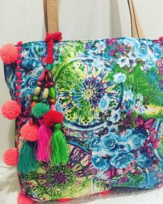 Pom Pom beach bag/ Beach bag/Tassels bags/Yoga bag/Summer