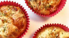 Grove muffins med speltmel, fylt med ost og skinke