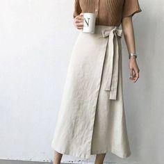 Modest Fashion, Diy Fashion, Korean Fashion, Fashion Dresses, Fashion Quiz, Vintage Fashion, Mode Outfits, Skirt Outfits, White Linen Skirt