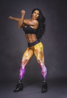 Wondreful Vanda Williams in Six Deuce Nefertari fitness leggings. :) We love it!