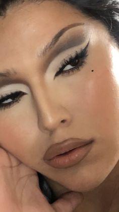 Baddie Makeup, Edgy Makeup, Skin Makeup, Makeup Inspo, Makeup Inspiration, Beauty Makeup, Grunge Makeup, 90s Makeup Look, Punk Makeup