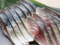 しめ鯖のレシピ、完成 Sushi Burger, My Sushi, Japanese Dishes, Japanese Food, Fish Recipes, Gourmet Recipes, Sushi Pictures, Sushi Donuts, Cofee Shop