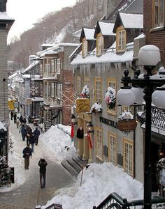 Winter in Old Town Quebec, at the foot of the funicular.