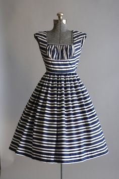 Vintage 1950s Dress / 50s Cotton Dress by TuesdayRoseVintage