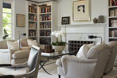 John DeBastiani - Portfolio Modern Wall Units, English Country Style, Decoration Design, Living Spaces, Living Rooms, Townhouse, Family Room, Bookcase, London Style