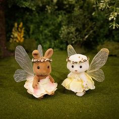 miniature fairy wings tutorial - Mimi's Little Sylvanian Town Calico Critters Families, Critters 3, Sylvania Families, Doll House Plans, Bratz Doll, Polymer Clay Miniatures, Fairy Wings, Fairy Dolls, Faeries