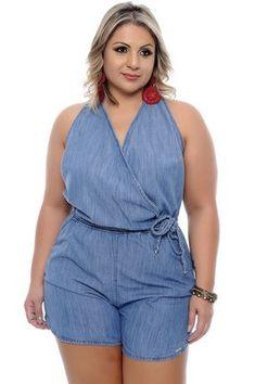 Macaquinho Jeans Plus Size Ilda – Plus Size Models Denim Fashion, Curvy Fashion, Fashion Pants, Fashion Outfits, Womens Fashion, Plus Size Jeans, Plus Size Romper, Plus Size Fashion Dresses, Plus Size Dresses
