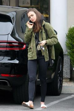 Lily Collins Hair, Lily Collins Style, Sandra Bullock, Fall Fashion Outfits, Girl Fashion, French Girls, Hollywood Fashion, Fashion Images, Casual