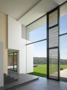 House am oberen Berg by Alexander Brenner Architekten | Zooey Braun > great overheight ceilings!