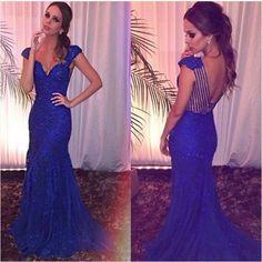 Vestido de festa azul brilhante