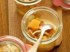 Eingelegter Kürbis ist ein Rezept mit frischen Zutaten aus der Kategorie Blütengemüse. Probieren Sie dieses und weitere Rezepte von EAT SMARTER!