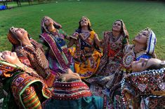 5 Reasons Why You Should Go To A Garba Raas Dance During The Hindu Holiday Of Navratri