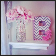 Floating shelves and mason jars? Count me in! Not too keen on the chevron print like I once was, but I think it would be doubly adorable to mix it up in a different fashion to suit my taste! :)