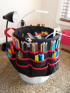 Having a bucket is more than just good for cleaning floors! I love how this bucket functions as an art caddy.