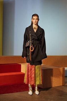 Here, see every look from the New York Fashion Week Diane von Furstenberg Fall 2017 runway show. Fall Fashion Trends, Fashion 2017, Fashion Show, Fast Fashion, Diane Von Furstenberg, Jonathan Saunders, New York Fashion, Vogue, Winter Mode
