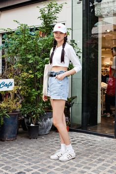 HAT   KM PLAY EARRING   H&M TOP   AMERICAN APPAREL PANTS   ALAND SHOES   ADIDAS Street Style Jung Minju, Seoul