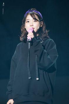 171103 Palette Concert in Busan Cr: Baemal Korean Celebrities, Korean Actors, Celebs, Iu Fashion, Korean Fashion, Dark Fashion, Korean Star, Korean Girl, Cute Poses