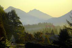 Allgäu- Oberjoch, Spielplatz der Alpenklinik Santa Maria im Herbst mit Blick auf die Berge von Jungholz. 2008