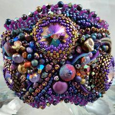 #shiboribbon #shiborisilk #swarovskicrystal #wearableart #regal #elegant #waves #handmade #beadwork #beadembroidery #beadembroideryjewelry  #cuff #bracelet #4uidzne