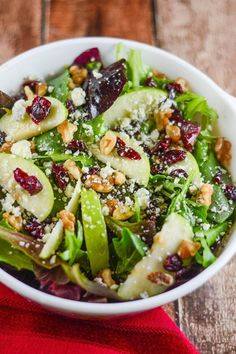 This Apple Walnut Cranberry Salad includes a Mixed Green Spinach Salad with Green Apples, Dried Cranberries, Walnuts and Gorgonzola Cheese. This salad explodes with flavor. Easy Salad Recipes, Easy Salads, Summer Salads, Vegetarian Recipes, Cooking Recipes, Healthy Recipes, Vegetarian Options, Simple Recipes, Vegetarian Salad
