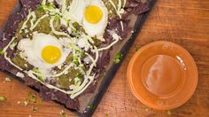 Blue Chilaquiles Verde with Eggs Chef Recipes, Egg Recipes, Mexican Food Recipes, Great Recipes, Favorite Recipes, Healthy Recipes, Ethnic Recipes, Cooking Recipes, Blue Corn Tortilla Chips