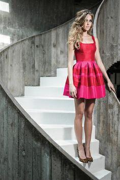 Vestido Curto Listra Tafetá Rosa e Vermelho - roupas-festas-iorane-f-vestido-curto-listra-tafeta-rosa-e-vermelho Iorane