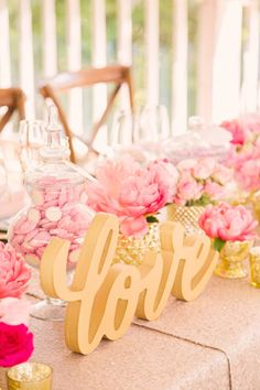 Glamorous Pink & Ivory Country Wedding - Style Me Pretty Wedding 2015, Wedding Pins, Wedding Favors, Wedding Flowers, Dream Wedding, Wedding Ideas, Bali Wedding, Wedding Reception, Bridesmaid Duties