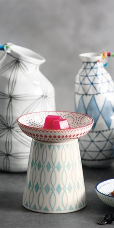 Fresh colors and patterns that pop, in three mix-and-match Warmer designs! Our Hip, Pop and Zig Warmers are designed with interchangeable dishes (sold separately) so you can change up the look whenever you please! Fun fact: The dishes also make gorgeous decorative pieces on their own.