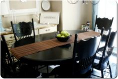 even with the high gloss, it still looks country vs Painted Oak Table, Painted Kitchen Tables, Kitchen Table Chairs, Kitchen Table Makeover, Dining Room Table, Table And Chairs, A Table, Kitchen Dining, Kitchen Decor
