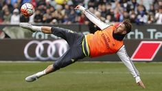 Chris Smalling unfazed by prospect of Sergio Ramos at Manchester United - http://footballersfanpage.co.uk/chris-smalling-unfazed-by-prospect-of-sergio-ramos-at-manchester-united/