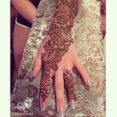 """885 Likes, 3 Comments - SARAHENNA (@sarahennaseattle) on Instagram: """"Late summer nights are great for henna ✨ . . #sarahenna #henna #hennapro #mehndi #Kirkland…"""""""