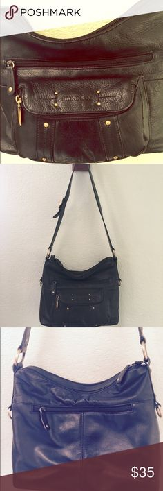 🍁SALE🍁 STONE COMPANY - Black Leather Bag EXCELLENT Quality Purse - Black Leather, w/ 1 in. leather Handle, 14 in. drop. Bag: Width 13 in.  Height 9 in.  Bottom 3 in wide.   LOTS OF POCKETS,  2 front pockets, 1 zipper back pocket, Top zipper pocket opens to 2 sections, one has 1 Pocket, one had 3 sectional pockets.  Lots of STORAGE SPACE.  PERFECT CONDITION. Stone & Co. Bags Shoulder Bags