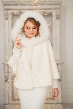 This is an elegant boucle coat, hoody is made out of genuine arctic fox fur. It was designed for the wedding or any other special ocasion day. The coat is perfect for autumn and winter wedding, it has special warmth woolstrap. Winter Wedding Coat, Wedding Fur, Wedding Jacket, Winter Bride, Wedding Gowns, Winter Weddings, Dream Wedding, Wedding Ideas, Wedding Stuff