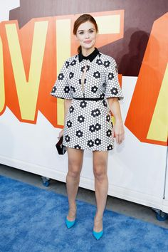 Holland Roden Photos Photos - Actress Holland Roden attends The 2015 MTV Movie Awards at Nokia Theatre L.A. Live on April 12, 2015 in Los Angeles, California. - The 2015 MTV Movie Awards - Red Carpet