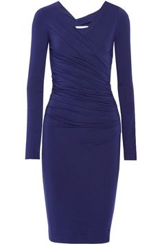 I have a Diane von Furstenberg Bentley ruched stretch-jersey dress in a different colour and it looks great on my 5 month bump, with room to grow too! Office Fashion, Business Fashion, Work Fashion, Fashion Outfits, Business Attire, Diane Von Furstenberg, Core Wardrobe, Simple Sandals, Work Chic