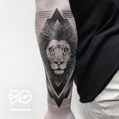 By RO. Robert Pavez • Lion V - outer arm • Bookings: robert@roblackworks.com ⚫️ Please! Do Not Copy ® • Studio Nice tattoo - Stockholm - Sweden 2016