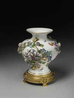 Vase | Meissen porcelain factory | V&A Search the Collections