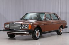Bid for the chance to own a No Reserve: 1981 Mercedes-Benz at auction with Bring a Trailer, the home of the best vintage and classic cars online. Maserati, Bugatti, Mercedes 500, Mercedes W123, Mercedes Sedan, Best Classic Cars, Classic Cars Online, Mustang, Volkswagen Golf Mk1
