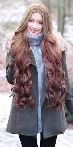 Rapunzel Long Hair is part of braids - braids Curls For Long Hair, Super Long Hair, Long Curly Hair, Beautiful Long Hair, Gorgeous Hair, Medium Hair Styles, Curly Hair Styles, Rapunzel Hair, Girl Hairstyles