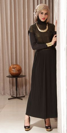 Black Maxi Dress + Hijab + Gold Accessories! Naftali Maxi Dress Only Rp 149.000,- (FREE BELT) visit: elsawati.pinkemmaku.com