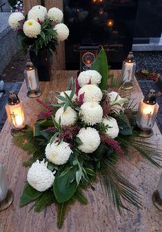 Funeral, Table Decorations, Flowers, Projects, Home Decor, Church Flower Arrangements, Garden, Floral Arrangement, Log Projects