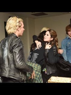 Look at Laura's eyes they're saying to Ross I want you